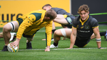 David Pocock and Michael Hooper prepare during the Ireland series in June 2018. It was the last time they started together in the 6/7 combination.