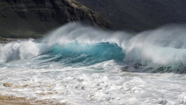 US officials are warning about severe surf and winds on Oahu's North Shore as a winter storm hits Hawaii.