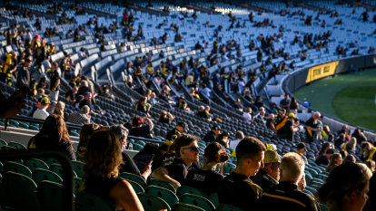 Kayo'd: cheap streaming, complex ticketing keeps fans away from the footy