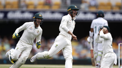 Internal politics threaten blockbuster Optus Stadium cricket Test