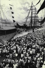 Massive crowds gather at the First Fleet re-enactment in 1988.