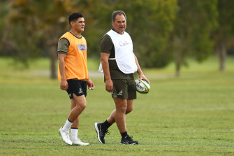 Noah Lolesio and Dave Rennie chat on the eve of the third Test against France.