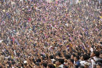 A huge crowd celebrated 2014 IPL champions Kolkata Knight Riders in Kolkata, India.
