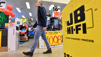 JB Hi-Fi boss hails tax cuts for the rich as 'jury out' on rate cut boost