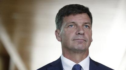Taylor urges international effort to stabilise oil market