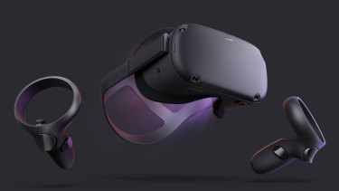 Oculus Quest comes with a pair of wireless controllers.