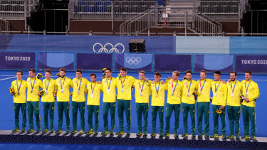 Silver medals for the men's hockey team