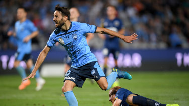 Milos Ninkovic is reportedly leaning towards re-signing with the defending champions.