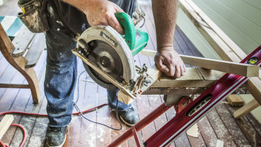 The recession could lead to the loss of up to 35,000 new apprenticeship jobs.