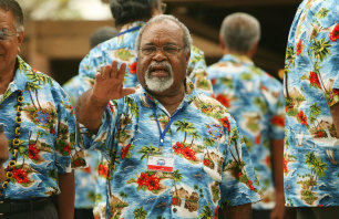 Prime Minister  PNG Michael Somare during the official photograph in the bula shirt during  the  37th Pacific Island Forum in Fiji in 2006.