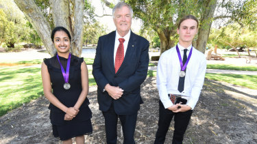 Beazley Medal winners Pooja Ramesh, left, and Jess Haydon with WA Governor Kim Beazley, centre.
