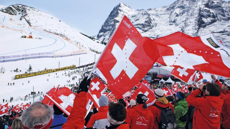 Gaji ekspatriat di Swiss rata-rata $ AS203.000 per tahun - dua kali lipat dari tingkat global.