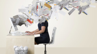 It can take more than 20 minutes to recover full concentration after checking email.
