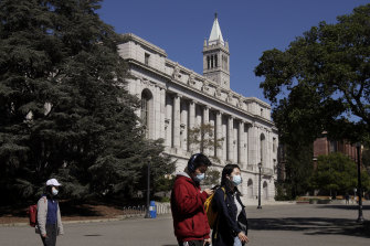 The University of California is moving to make COVID-19 vaccination mandatory for students.