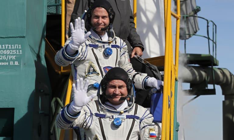 Russian cosmonaut Alexey Ovchinin and US astronaut Nick Hague prior to launch.