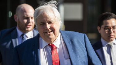 Clive Palmer slams expert report into mining assets