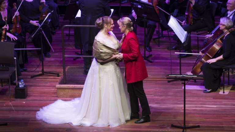 Jessica Pratt and Caitlin Hulcupsing the lead roles of Romeo and Giulietta for the Victoria Opera concert performance of Bellini's <i>The Capulets and the Montagues</i>.