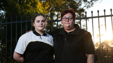 Sharon Robson with her daughter Ashley.