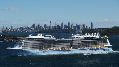 Plans for Sydney's third cruise ship terminal delayed for 18 months