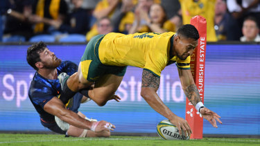 Lucky 13: Israel Folau should stay in the centres.