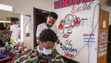 The Biden administration wants to turn black-owned barber shops and beauty salons into vaccination outreach centres.