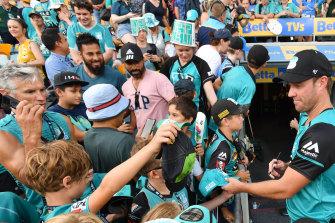 AB De Villiers was a hit with Heat fans in Brisbane.