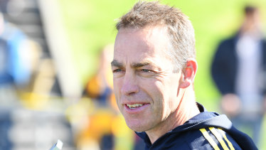 Alastair Clarkson will stay at Hawthorn for the next four seasons.