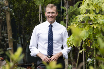 NSW Planning Minister Rob Stokes says  Sydney's councils will be able to opt into new bushfire land-clearing codes if they want to.