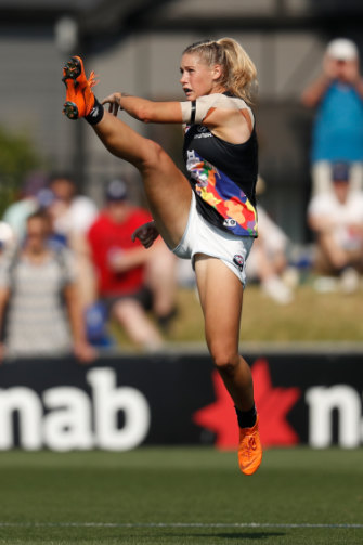 Carlton star Tayla Harris has copped sexist comments on social media.