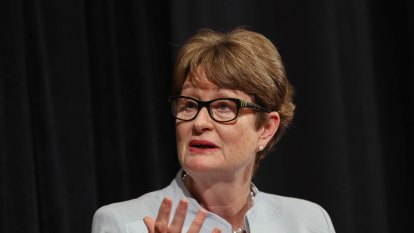 'Crisis point': CBA chairman calls for plan to reopen borders