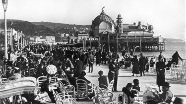 The Promenade des Anglais in Nice in the 1930s.
