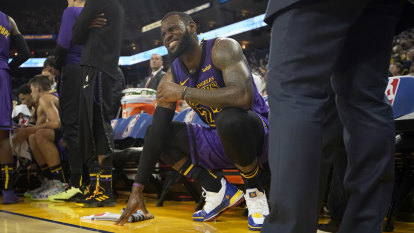 'Dodged a bullet': LeBron gets good news on groin injury