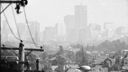 From the Archives, 1972: Melbourne blanketed in brown chemical smog