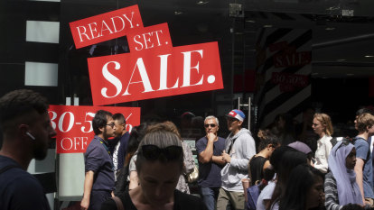 Deep discounts and unicyclists: Retailers pull out the stops to spur Boxing Day sales