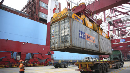 Australian trade with China surges as rest of the world falls