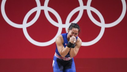 Once cast as Duterte enemy, Filipino weightlifter raises spirit of a nation