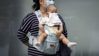 Masks too dangerous for young children, Japanese doctors say