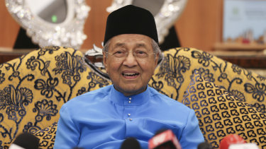 Malaysia Prime Minister Mahathir Mohamad doubts the Joint Investigative Team's conclusion on MH17.