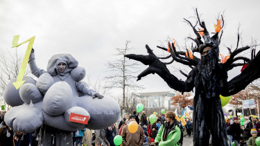 Thousands of people are marched in Berlin and Cologne over the weekend to demand that Germany make a quick exit from coal-fired energy, a day before a UN climate summit opened in neighbouring Poland.