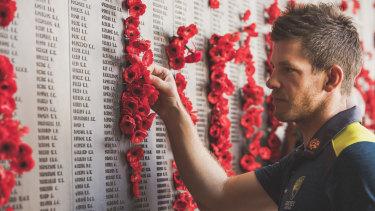 The Australian cricket team visited the Australian War Memorial.