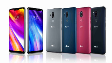 The LG G7 can show or hide its 'notch'.