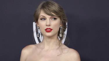 Roger Alvarado, recently sentenced to jail time for stalking Taylor Swift, was arrested on charges he broke into her New York City home again.