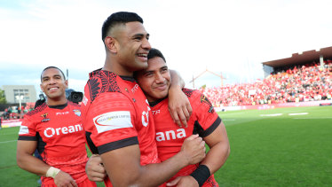 Tupou (centre) represented Tonga at the 2017 World Cup.