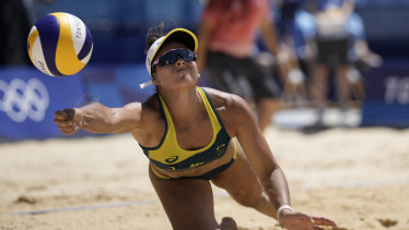 Mariafe Artacho del Solar combined with Taliqua Clancy to win Australia's first beach volleyball medal since Sydney 2000.