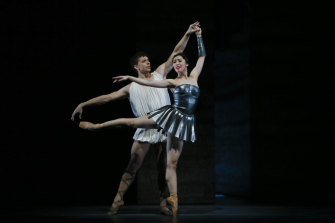 Ako Kondo and Kevin Jackson perform in Sylvia at the Sydney Opera House.