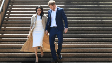 Harry and Meghan walked down the Opera House steps before meeting the public.