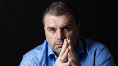Postecoglou extends contract in Japan as title race heats up