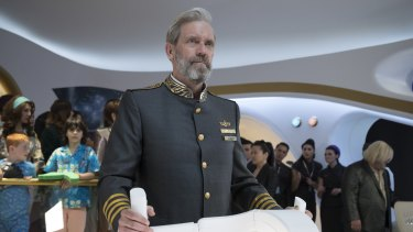 Captain Ryan Clark (Hugh Laurie) on the bridge of the starship Avenue 5.