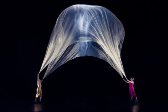 Air Play uses fans and fabric to create stunning visual shapes on stage.