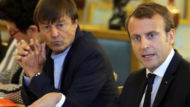 Nicolas Hulot and Emmanuel Macron meet with NGOs to discuss climate and environment at the Elysee Palace in Paris in 2017.